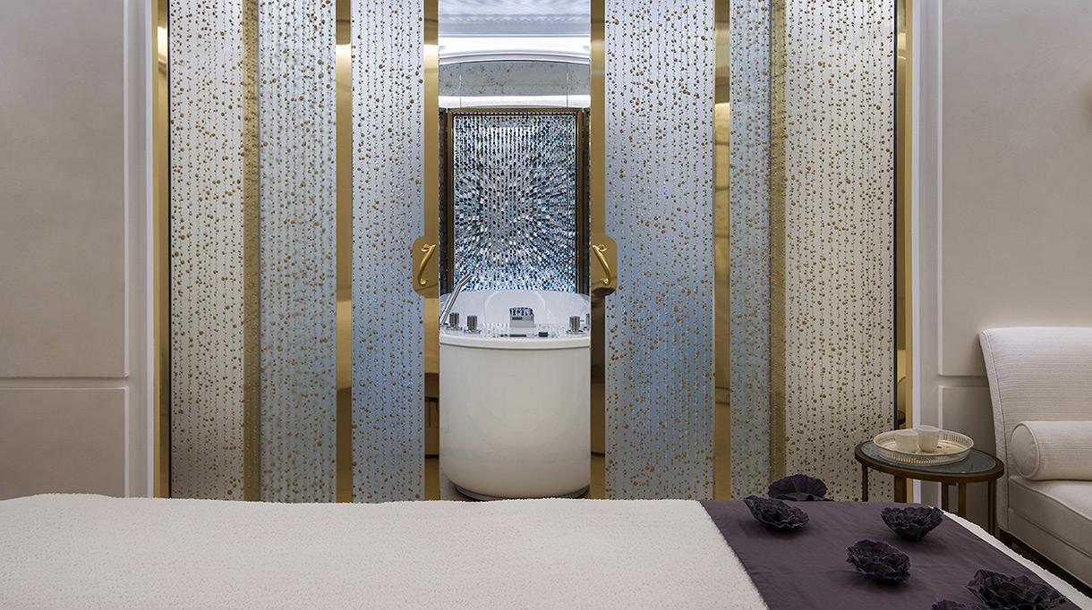 The Crillon Spa - the Crillon Hotel - address in paris - Hotel swimming pool in Paris - EviDenS de Beauté - Maison Caulières - Jet-Peel - signatures singulières - le magazine digital des talents français
