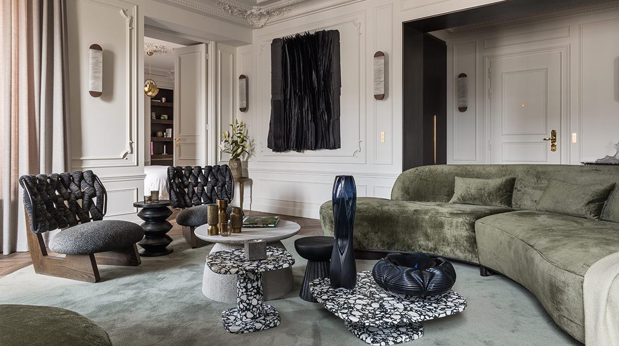 Félix Millory - French interior designer - Exceptional apartment in Paris - Place vendôme in Paris - Green sofa - Lamp and bronze - Lighting Entrelacs - French designer