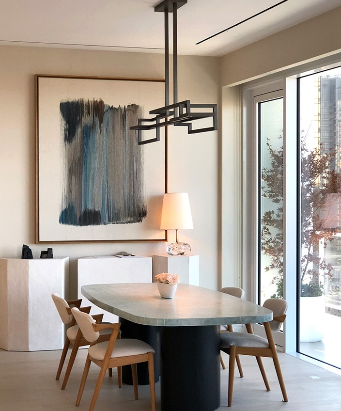 Ozone lighting - French luminaire manufacturer -Etienne Gounot - Eric Jahnke - french designers - Contempory dining room - - Contempory lighting - Luxury parisian apartment - French know-how - Signatures Singulières Magazine - The digital magazine of French talent
