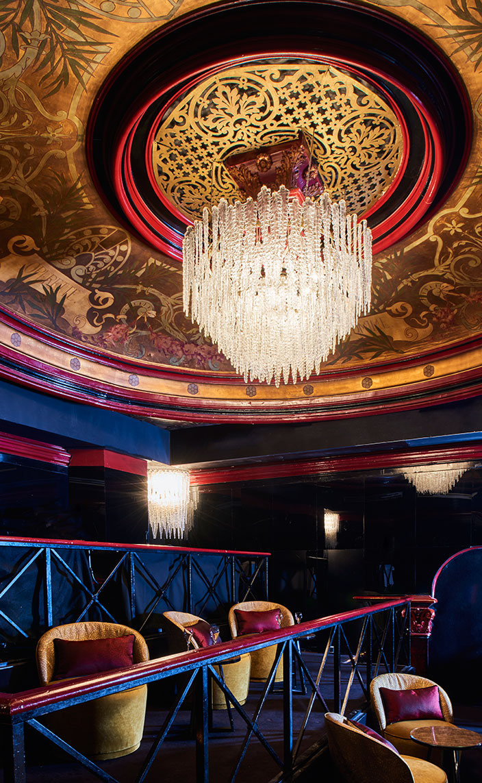 Oscar Lucien Ono - French interior designer - The Paradis Latin - Famous Parisian cabaret -Baroque décor - Baroque style - Blue decor - Gold wall decoration - concert hall in paris - Signatures Singulières Magazine - The digital magazine of French talent