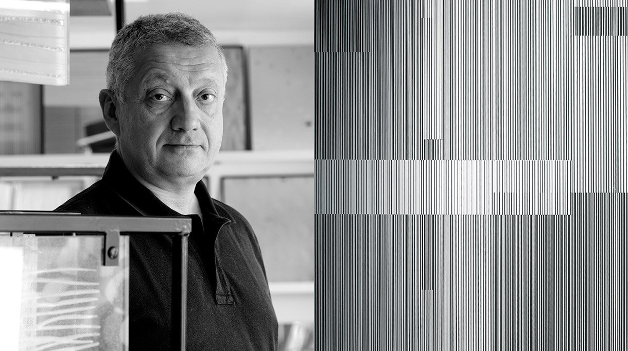 Bernard Pictet - French master glassmaker - French craftsman - French know-how - Decorative glass panel - Metallized glass - engraved glass panel - EPV company - Mirror effect - Signatures Singulières Magazine - The digital magazine of French talent