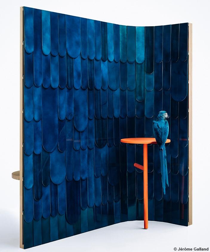alm deco workshop - mireille herbst - lacquer wall panel - peacock - peacock blue color - folding screen - French know-how - Entreprise du Patrimoine Vivant label - Signatures Singulières Magazine - The digital magazine of French talent