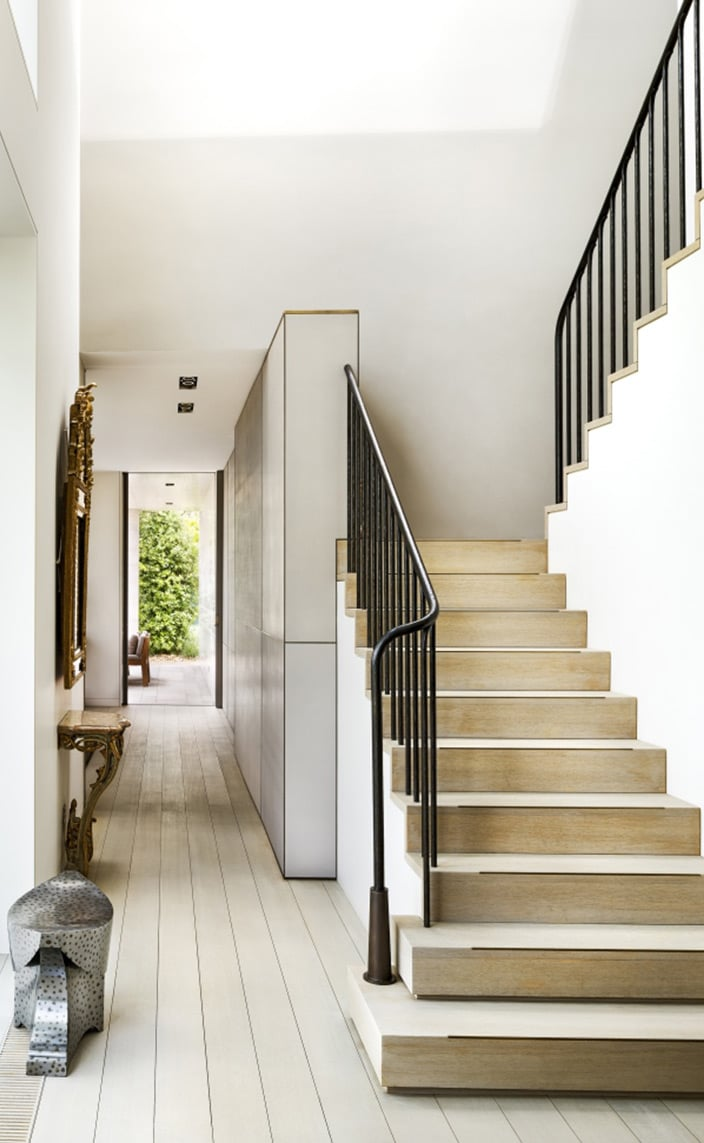 maison Pouenat - Jacques Rayet - french metalwork - creators of art wrought iron craftsman - Beaten steel banister - Eric Schmitt designer - charles zana - french interior designer - wooden stairs - signatures Singulières - The digital magazine of French talent