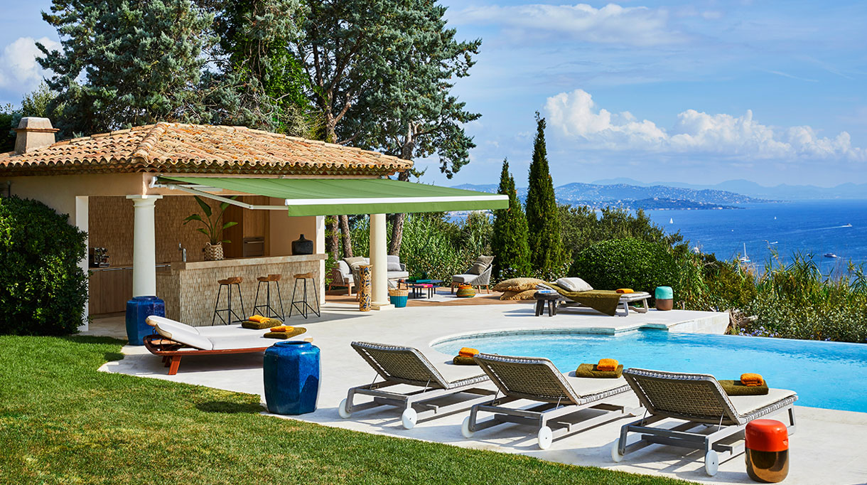 stephanie coutas - french interior designer - luxury villa in saint tropez - signatures singulieres magazine