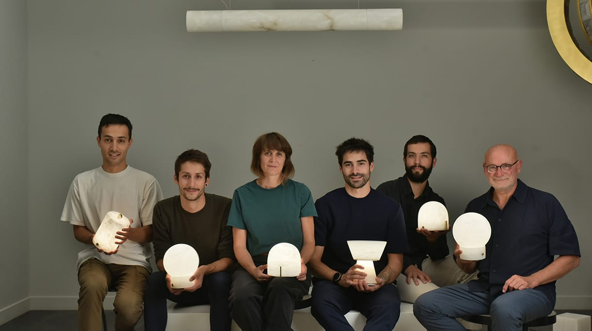 alain ellouz edition - autonomous alabaster lamp - Chaise Lounge LC4, Le Corbusier - signatures singulieres magazine
