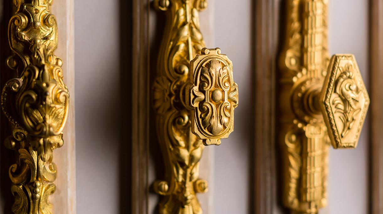 remy garnier - Bronze cremone bolts - signatures singulieres magazine